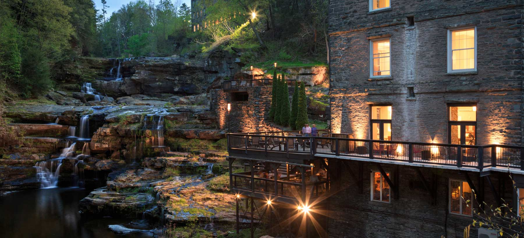 Contemporary Hotel In Pocono Mountains Hotel In Hawley Pa