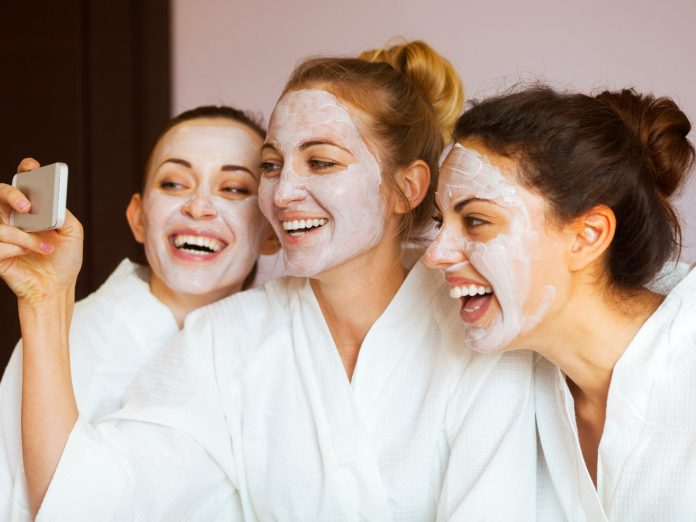 three young women enjoy a girlfriend spa getaway in PA