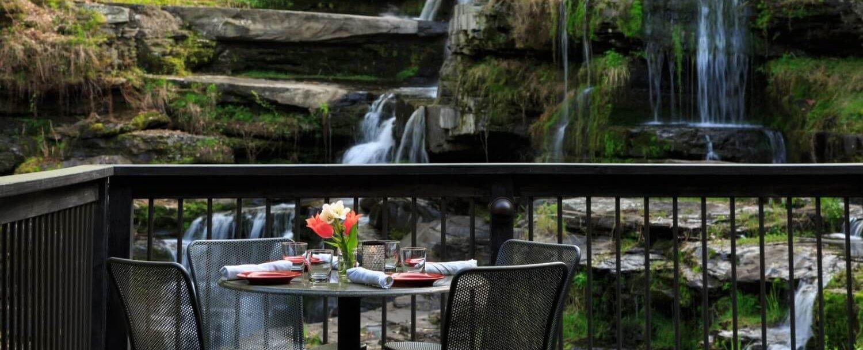 ledges-restaurant-deck-3_preview (1)