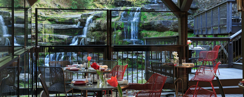 Hawley Pa Restaurants In The Poconos Ledges Hotel Glass